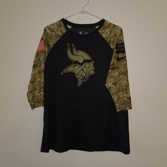 hot sale online 29dad f51d4 NWOT Nike Vikings 'SALUTE TO SERVICE' dri-fit tee NWT